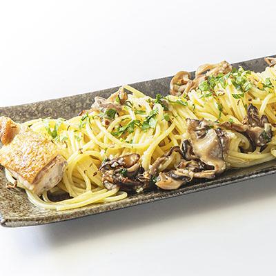 高崎産ニンニクと麦風どりの猟師風ペペロンチーノ 山椒の香り